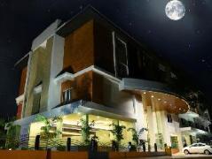 Hotel Lakshmi at Thanjavur   India Hotel