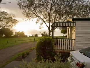 /north-coast-holiday-parks-corindi-beach/hotel/red-rock-au.html?asq=jGXBHFvRg5Z51Emf%2fbXG4w%3d%3d