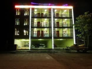 /sl-si/luxer-deluxe-hotel/hotel/ngwesaung-beach-mm.html?asq=vrkGgIUsL%2bbahMd1T3QaFc8vtOD6pz9C2Mlrix6aGww%3d