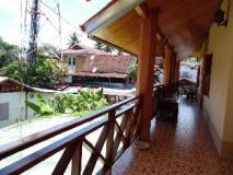 Tephavong Guesthouse: balcony/terrace