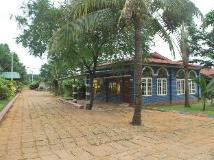 Sane Let Tin Resort: exterior
