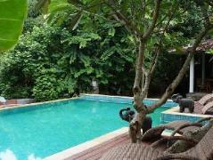 Umah d Kali Villa, Indonesia