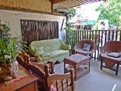 Hotel in Philippines El Nido | Casa Carlota Pension