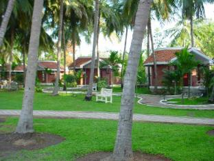 Green Coconut Resort-ECR