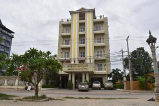 /sovannphum-hotel/hotel/battambang-kh.html?asq=vrkGgIUsL%2bbahMd1T3QaFc8vtOD6pz9C2Mlrix6aGww%3d