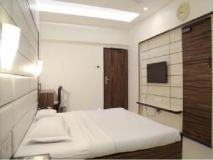Hotel Golden Plaza: guest room