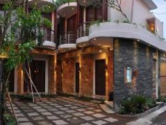 Delalis Home Stay Indonesia