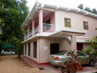 /luxman-guest-house/hotel/polonnaruwa-lk.html?asq=jGXBHFvRg5Z51Emf%2fbXG4w%3d%3d