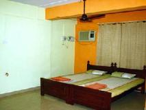 Reliance House: guest room