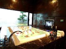 Takao Motel: hot tub