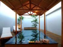 Takao Motel: swimming pool