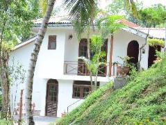 Shady Grove Tourist Bungalow Sri Lanka