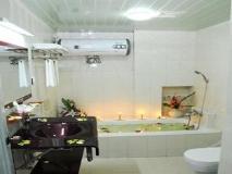 Hotel Bo Bo Min: bathroom
