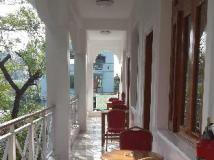 Ma Ma Guest House: balcony/terrace