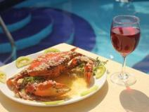 BR Holiday Resort: food and beverages