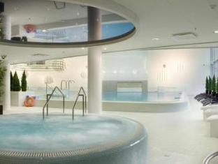 Meriton Grand Tallinn Hotel Tallinn - Hot Tub