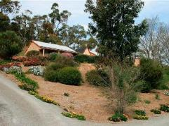 Riesling Trail and Clare Valley Cottages | Australia Budget Hotels