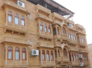 /hotel-helsinki-house/hotel/jaisalmer-in.html?asq=jGXBHFvRg5Z51Emf%2fbXG4w%3d%3d