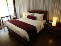 Hotel Teso Waterfront: guest room