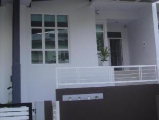 Batu Ferringhi - Shamrock Villas Penang - Villa 11