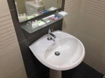 KK Motel: bathroom