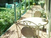 Picnics Bed and Breakfast: garden