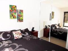 Australia Hotel Booking | The Reserve Apartment