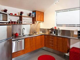 /two-four-two-boutique-apartments/hotel/launceston-au.html?asq=jGXBHFvRg5Z51Emf%2fbXG4w%3d%3d