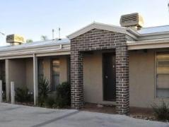 Kennedy Holiday Villas   Australia Hotels Yarrawonga