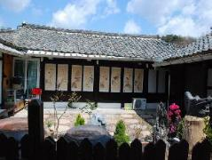Wamindang Hanok Guesthouse | South Korea Budget Hotels