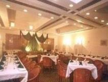 Hotel Surbhi Palace: restaurant