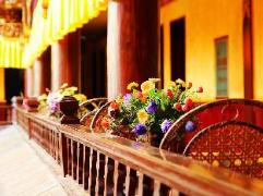 Shangri-La Diqing Fulaideng Hotel   Hotel in Shangri-La