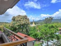 Golden Lotus Inle Hotel:
