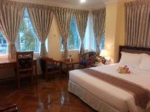 Grand Laurel Hotel: deluxe double with city view