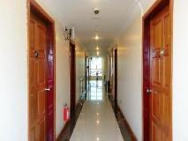 Grand Laurel Hotel: interior