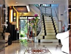Philippines Hotels   Peridot Suites