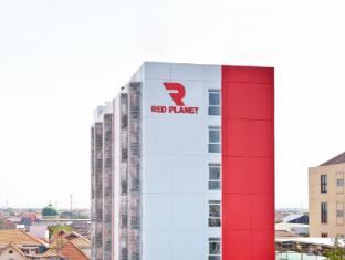 泗水红色星球酒店