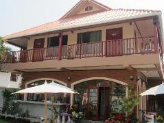 Oor U Pai Guest House   Pai Hotel Discounts Thailand