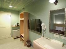 Hotel Skoal: bathroom