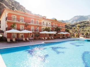 /nl-nl/diamond-hotel-and-resort-naxos-taormina/hotel/giardini-naxos-it.html?asq=jGXBHFvRg5Z51Emf%2fbXG4w%3d%3d