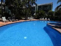 Aloha Lane Holiday Apartments: swimming pool