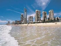 Aloha Lane Holiday Apartments: beach
