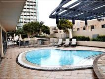Dubai Apartments - The Greens - Golf Tower: swimming pool