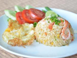 Welcome Plaza Hotel Pattaya - fried rice