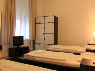 Baross City Hotel Budapest - Guest Room