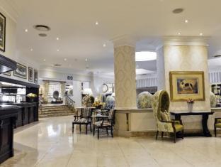 /protea-hotel-balalaika-sandton/hotel/johannesburg-za.html?asq=5VS4rPxIcpCoBEKGzfKvtBRhyPmehrph%2bgkt1T159fjNrXDlbKdjXCz25qsfVmYT