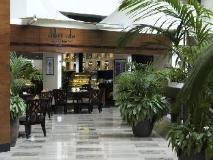 Radisson Blu Resort Sharjah: coffee shop/cafe