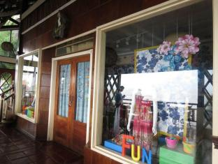 Eagle Point Beach and Dive Resort Batangas - Shops