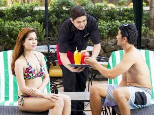 Copacabana Apartment Hotel Manila - Swimming Pool
