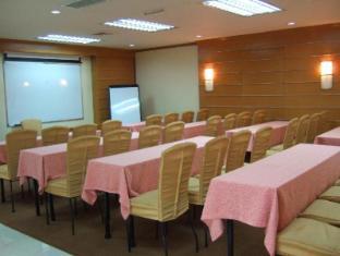 El Cielito Hotel Makati Manila - Meeting Room